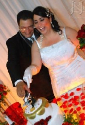 Através de muita oração e fé, Jesus, através do AmorEmCristo.com, me apresentou à mulher de minha vida e nos uniu para sempre através do matrimônio.
