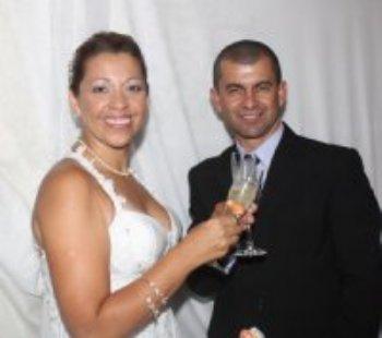 Agradeço à Deus e ao site AmorEmCristo.com por ter me abençoado com um marido maravilhoso! Nos conhecemos aqui mesmo, neste abençoado site!
