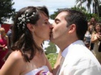 Depois de vários relacionamentos frustrantes, orei a Deus e pedi para que meu próximo relacionamento fosse definitivo, sem mais decepções, e que eu pudesse ter a oportunidade de encontrar o homem que faria parte de minha vida como meu esposo.