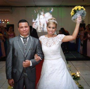 Conheci meu marido através do AmorEmCristo.com. Eu e ele mantínhamos contato desde julho de 2014, mas só conversávamos pelo site mesmo....