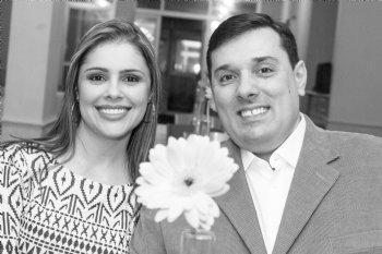 Graças a Deus e ao Amor em Cristo, pudemos nos conhecer de desde então, namoramos, noivamos e casamos.