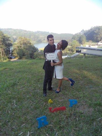 O casamento é um presente. Presente esse que dividimos com alguém que se torna um conosco. Sei que Deus abençoou o nosso amor....