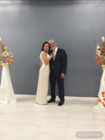 Juntos nos unimos em oração e, com a aprovação e a graça de Deus, conseguimos firmar nosso propósito com o matrimônio.